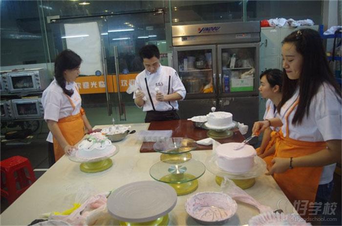 蛋糕培训教学现场